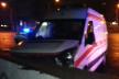 Карета швидкої допомоги не розминулася з огорожою підземного переходу у Львові