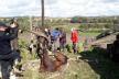 На Львівщині рятувальники витягнули коня із криниці