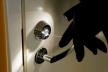У Червонограді на господаря квартири напав злодій