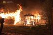 У селі на Червоноградщині вночі сталися три пожежі: згоріли два будинки