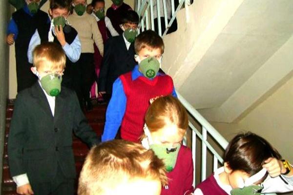 Влада Львова хоче евакуювати дітей з міста через загрозу інфекцій