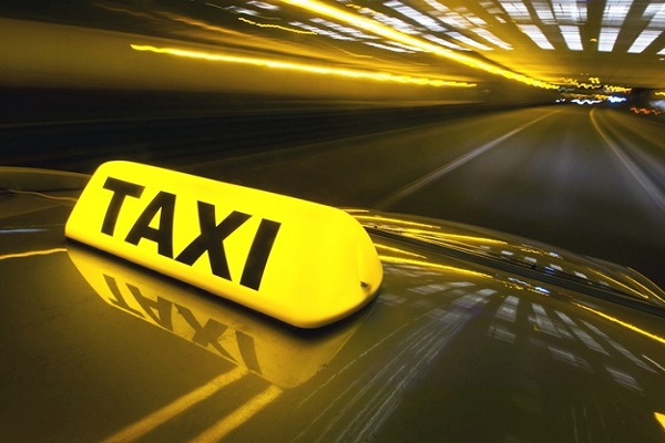 У поліції Львівщини дали поради таксистам під час роботи в нічний час