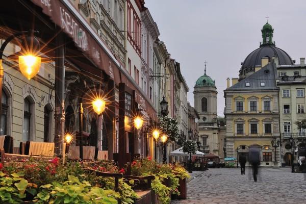 Чому у Львові немає жодного пам'ятника видатній жінці?