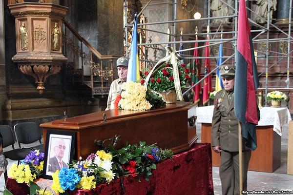 У Львові поховали Володимира Косика – відомого історика, приятеля Степана Бандери і Ярослава Стецька