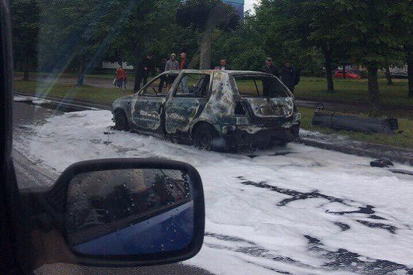 Львів'ян злякав вибух автомобіля