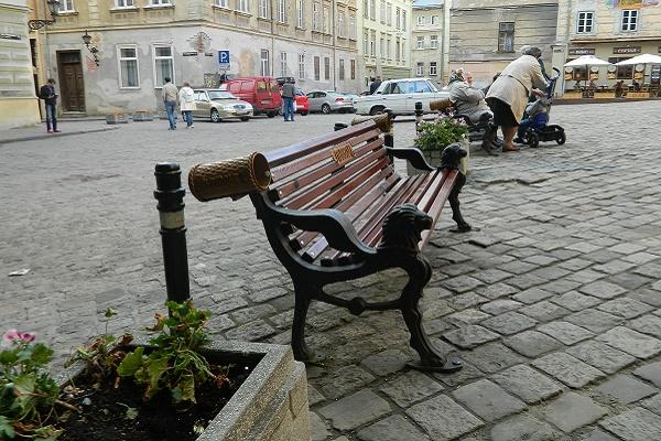 Кожен бажаючий зможе встановити власну лавочку у Львові