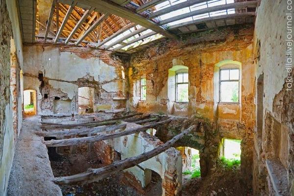 Замки Львівщини, які не показують туристам (Фото)