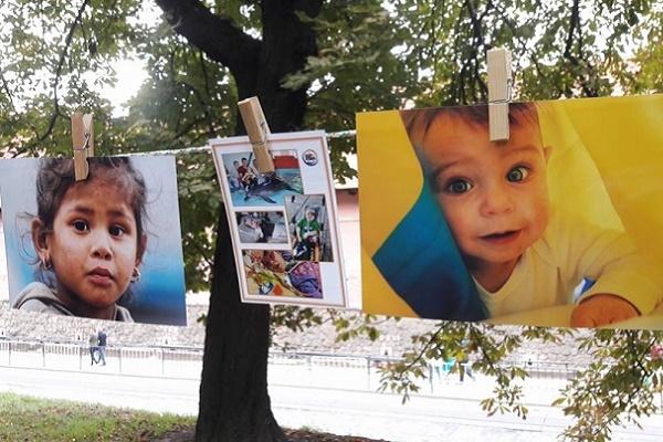 У Львові відбулася благодійна фотовиставка-аукціон «На прищіпках»
