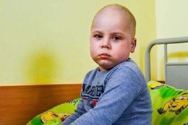 Львів'ян просять допомогти врятувати трирічного хлопчика