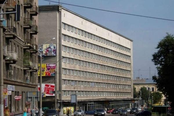 На місці давньої площі у Львові радянська влада побудувала готель