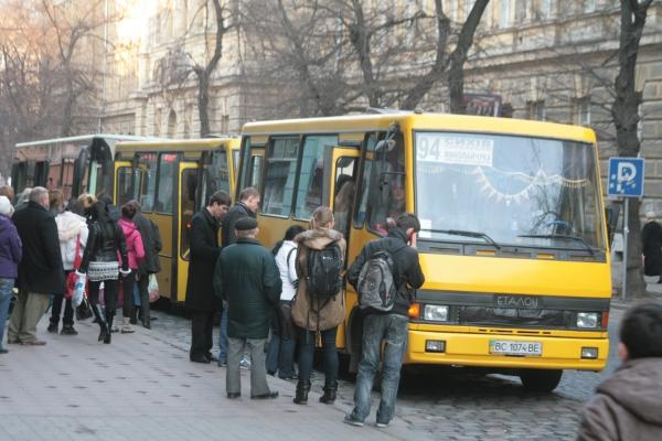 У Львові перевізники вимагають підвищити ціну за проїзд у маршрутках до 7 гривень