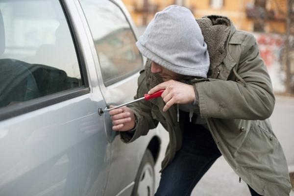 Раніше судимий викрав автомобіль у місцевого мешканця в Радехові