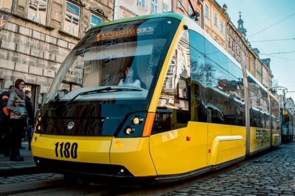 Перший в Україні мобільний проїзний - запустили у Львові
