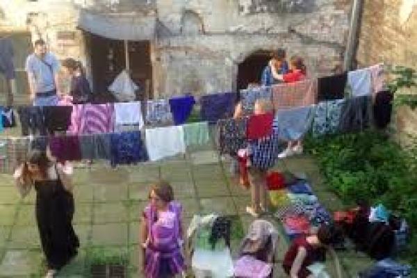 Вже втретє у Львові безкоштовно обмінюватимуться одягом