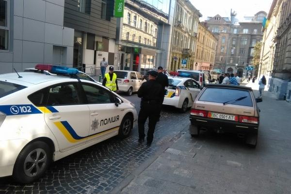 Львівські патрульні зупинили за вісім діб 57 п'яних водіїв