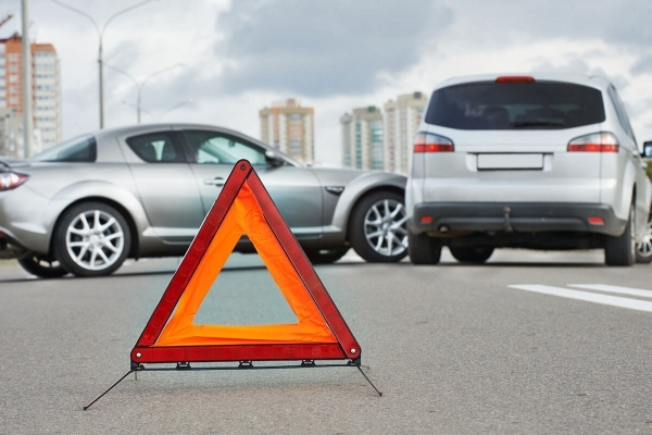 У Малехові автомобіль смертельно травмував 20-річну жінку