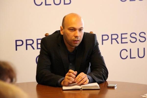 Львівська обласна рада хоче продавати лікарні та заклади освіти, - громадський активіст