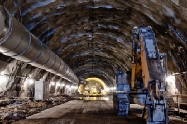 Колії у Бескидському тунелі планують прокласти до березня