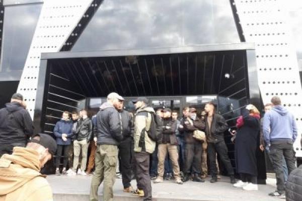Львів'яни та активісти закликають не допустити «концерт на крові»: вхід у клуб