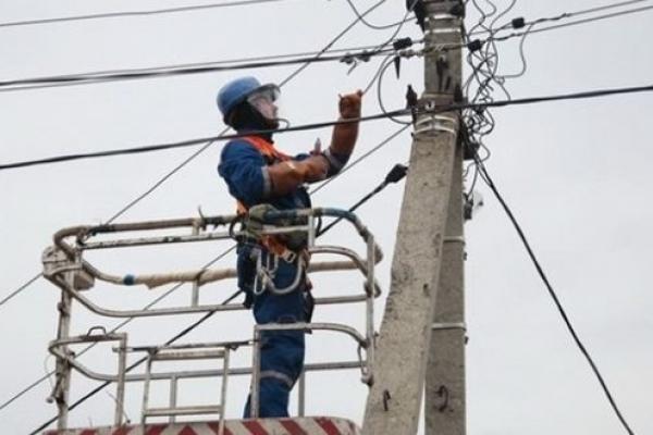 Через негоду майже 300 сіл Львівщини залишилися без електропостачання