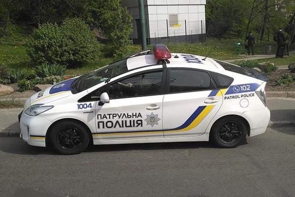 Львівські поліцейські вчилися кермувати в екстремальних умовах