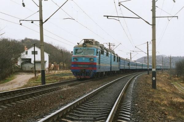 На Львівщині під локомотив потрапив 23-річний хлопець