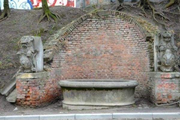 У криниці з левами на вул. Коперника планують відновити фонтан