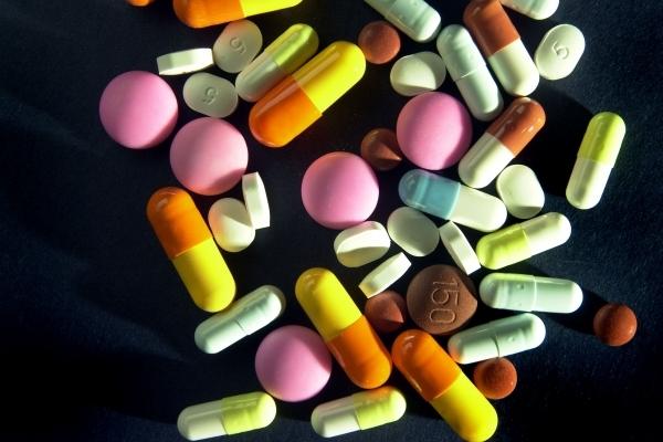 На Львівщині кандидат біологічних наук організував підпільний цех з виготовлення фальсифікованих лікарських засобів