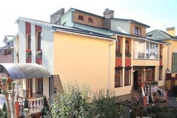 Львівській бізнесменці не дозволили розширити площу готелю