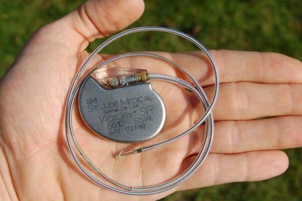 У Львові потребуючим безкоштовно ставлять кардіостимулятори