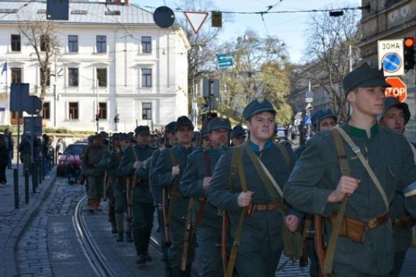 У центрі Львова провели реконструкцію подій 1918 року