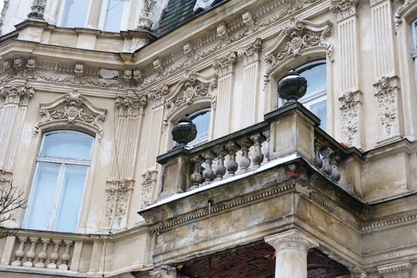 У Львові термінової реставрації потребують 60 балконів