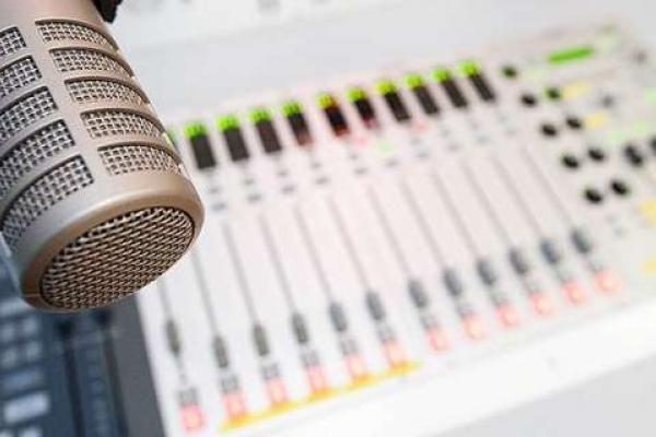 За порушення мовних квот оштрафували радіо «Люкс ФМ»