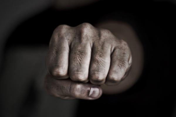 У Львові чоловіка за побиття дружини засудили до 150 годин громадських робіт