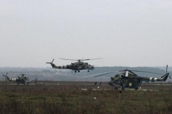 Такого ще не було: над Львівщиною щодня літають кілька десятків бойових вертольотів