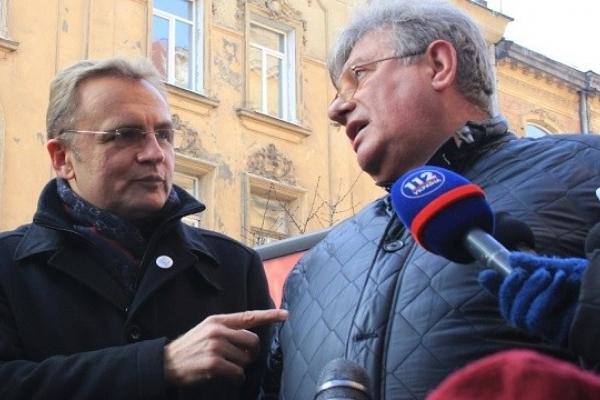 Садовий оголосив Сидоровичу догану за корупцію