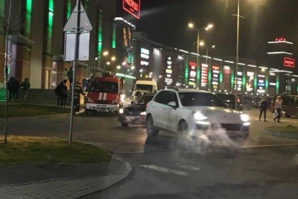 Спецслужби не знайшли вибухівку в ТРЦ у Львові