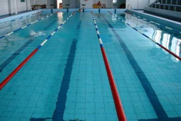 У Львові в басейні ЛНУ ім. Івана Франка помер студент