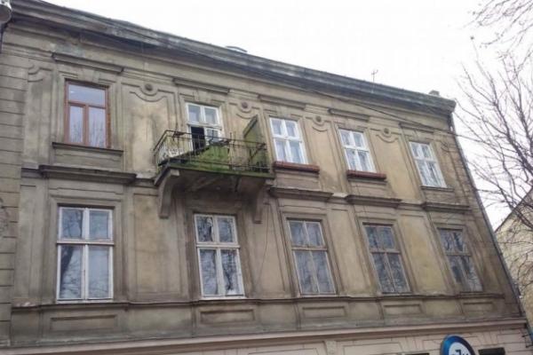 Тіло літнього чоловіка знайшли в квартирі у центрі Львова