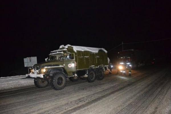 Рятувальники відбуксирували на Львівщині автобус і 55 вантажівок
