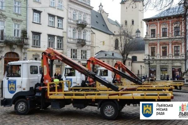 Майже 80 водіїв оштрафовали за паркування у заборонених місцях у Львові
