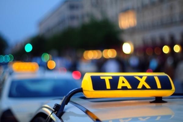 У Львові діє послуга таксі «Тверезий водій». Як це працює