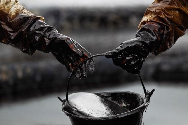 На Львівщині група осіб «присмокталася» до нафтопроводу і викрала десятки тон чорного золота