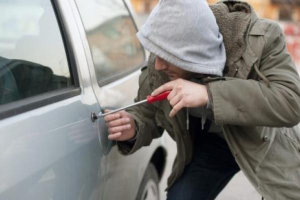 На Львівщині заарештували чоловіка, який збрехав про викрадення власного авто