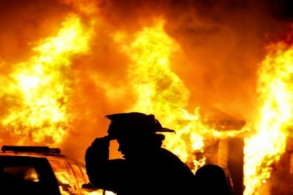 Пожежники й поліціянти врятували у Львові двох безхатьків