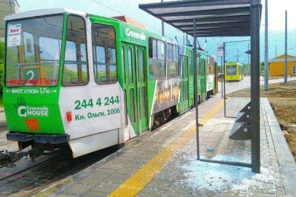 Львівавтодор заплатить більше 116 000 грн за прибирання трамвайних зупинок на Сихові