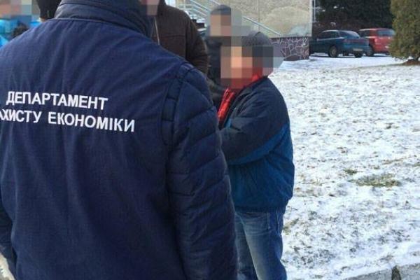 На Львівщині депутат міськради погорів на хабарі у 300 тисяч гривень (Фото)