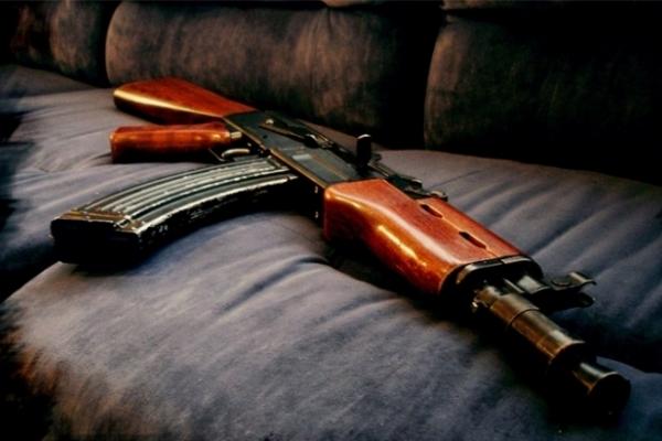 Вночі у Львові та області з автомата Калашникова обстріляли два автомобілі