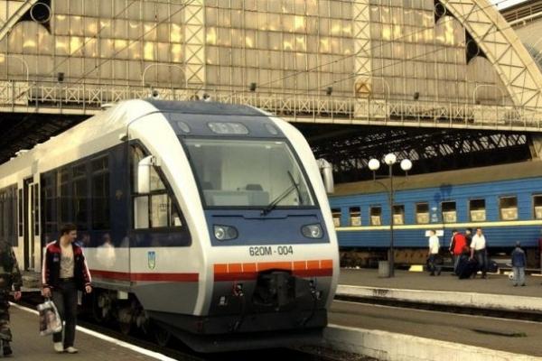 Україна та Італія розроблятимуть високошвидкісний залізничний рух «Одеса-Київ-Львів»