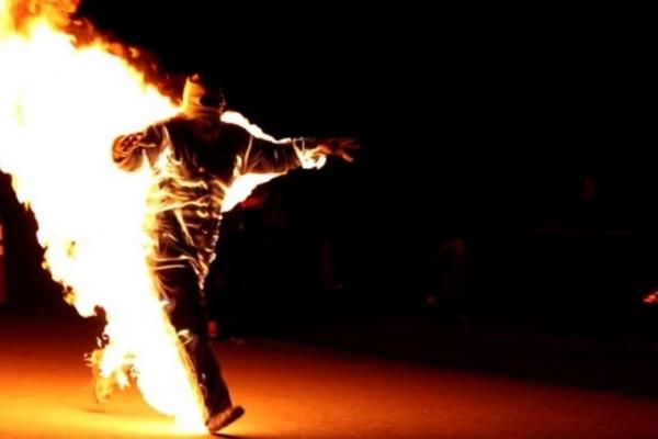 У Червонограді 34-річний чоловік спробував підпалити себе у приміщенні банку